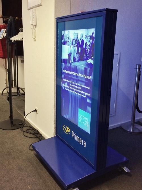 Biedt klanten op een digitaal bord buiten de aanbieding van de dag (en als 'ie op is, kun je 'm zo vervangen door een andere advertentie).
